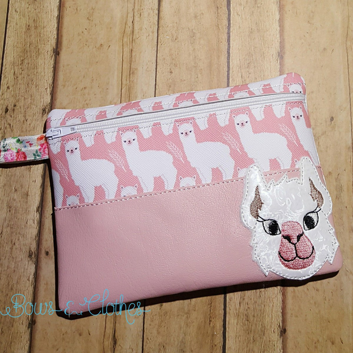 Llama/Alpaca Top Half Vinyl Zipper Purse